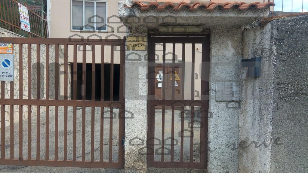 Attività commerciale in ottime condizioni arredato in affitto Rif. 8769576