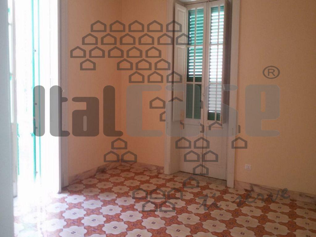 Appartamento da ristrutturare in affitto Rif. 9411334