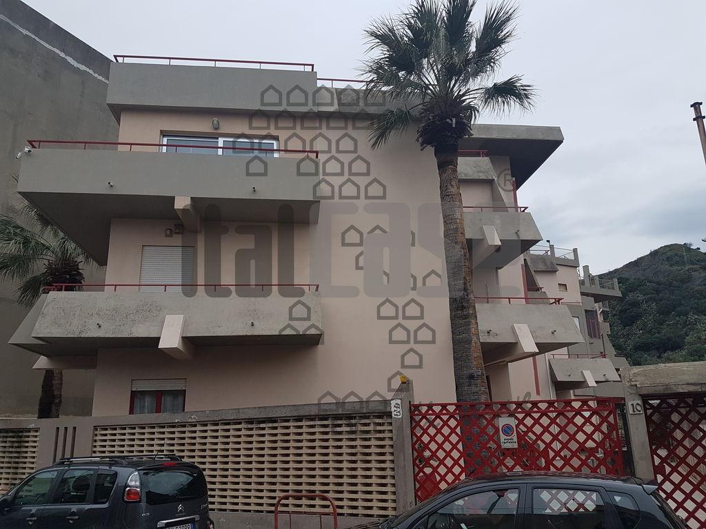 Appartamento in ottime condizioni in affitto Rif. 9643214