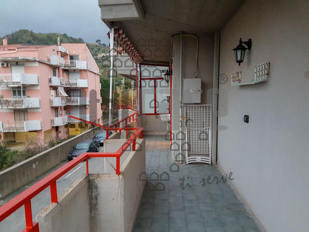 Appartamento da ristrutturare in affitto Rif. 9643215