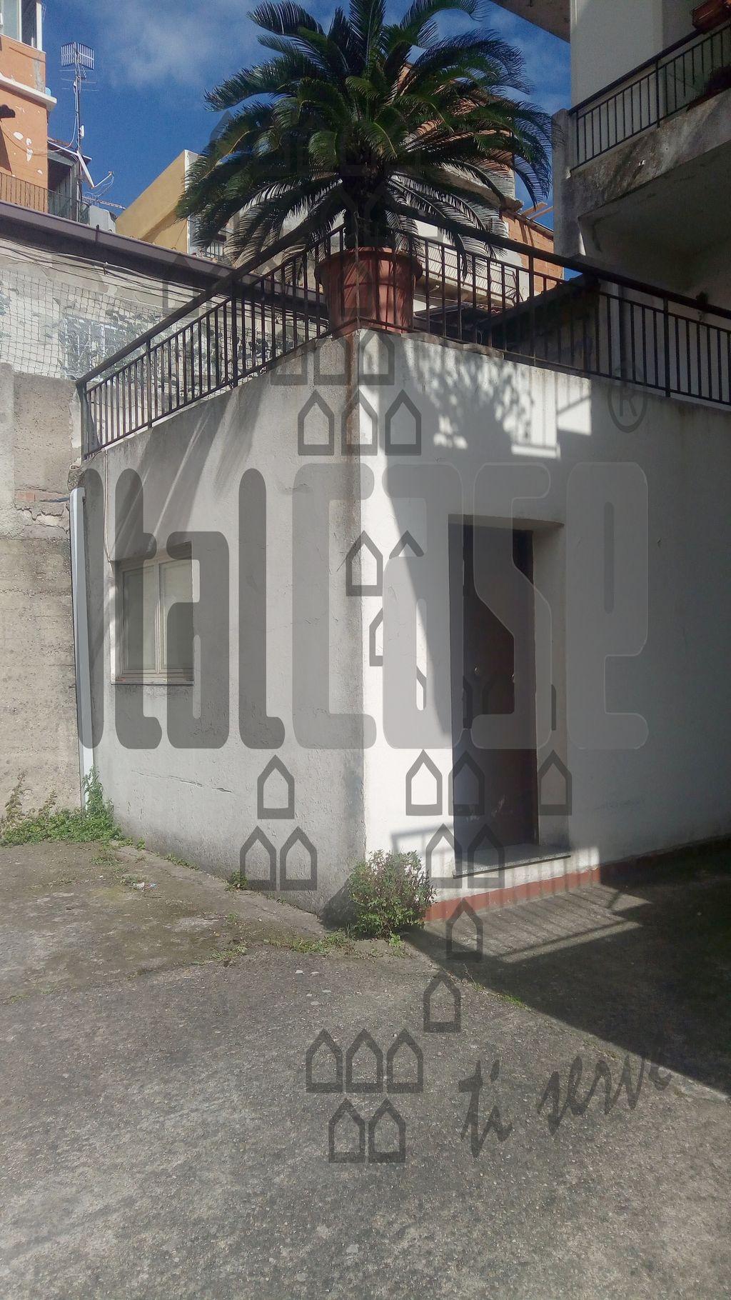 Appartamento da ristrutturare in affitto Rif. 10005607