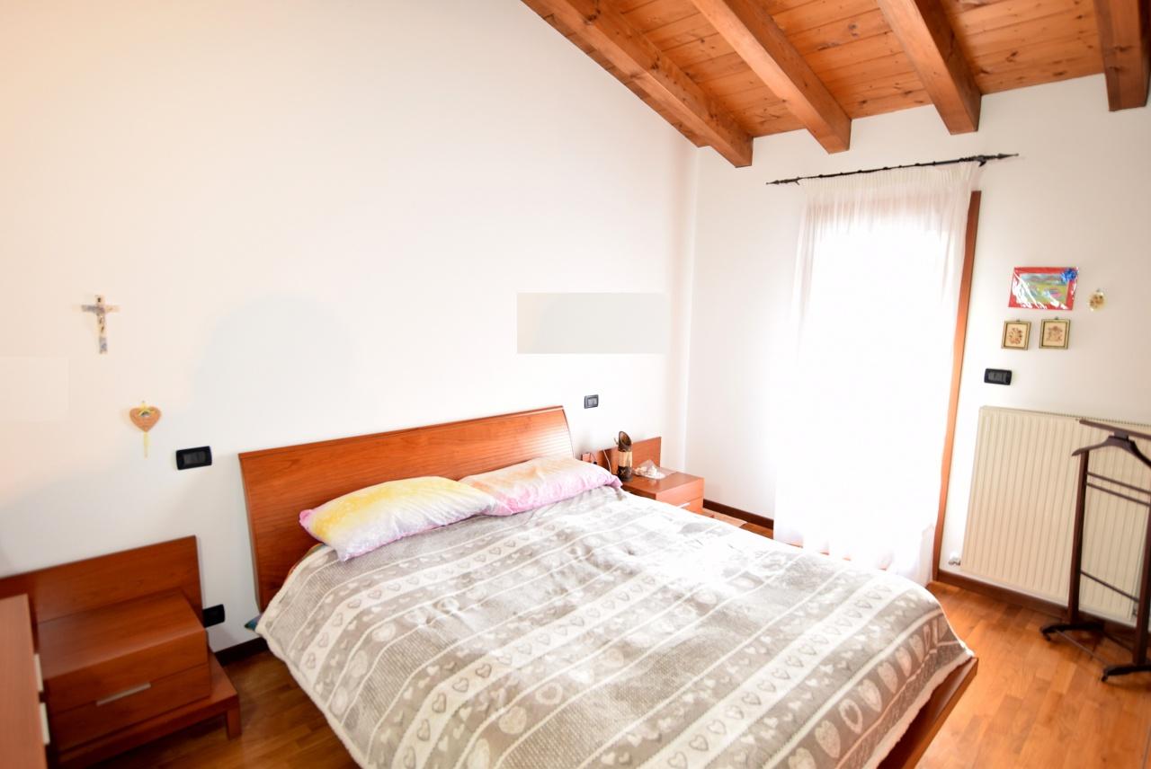 Appartamento in buone condizioni arredato in vendita Rif. 5442352