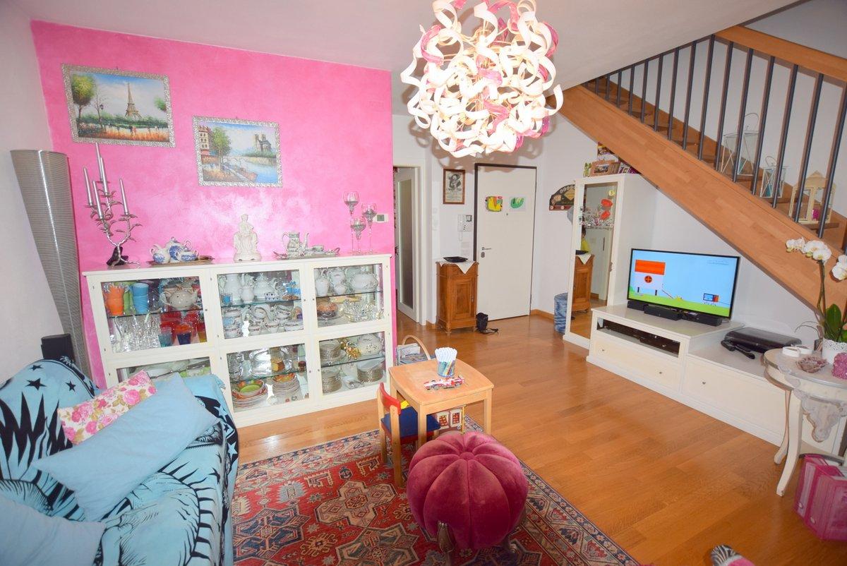 Appartamento in ottime condizioni in vendita Rif. 5910651