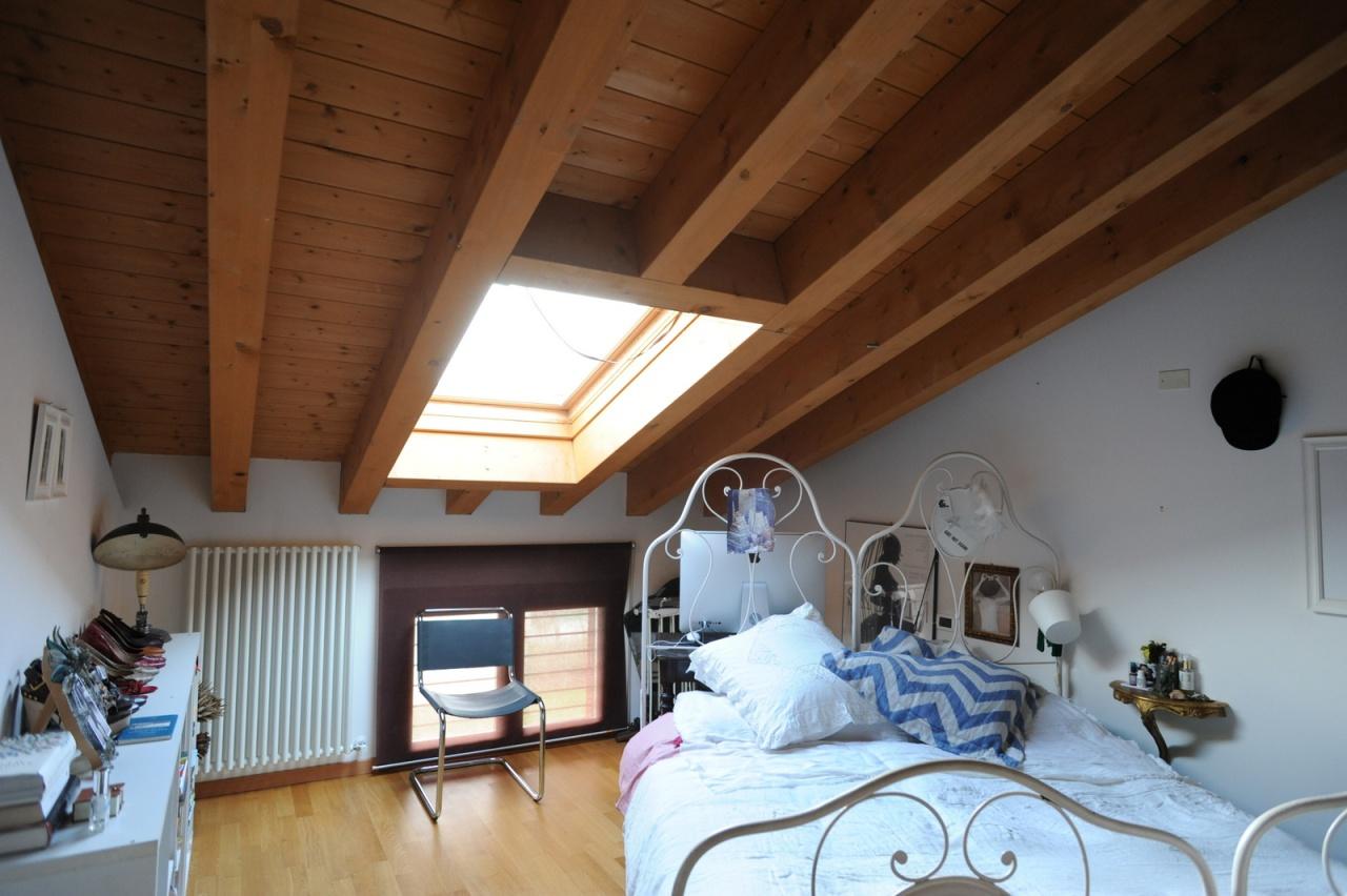 Appartamento in ottime condizioni arredato in vendita Rif. 6189918