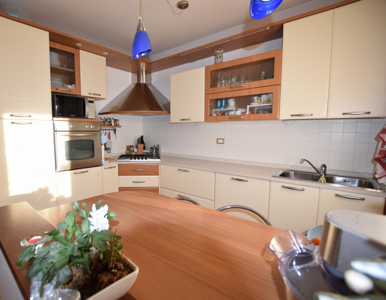 Appartamento in buone condizioni in vendita Rif. 6675799