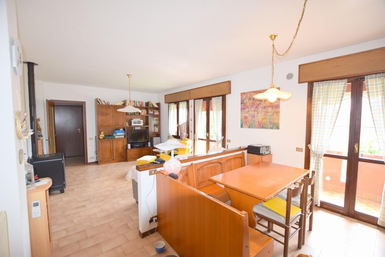 vendita appartamento pederobba   90000 euro  3 locali  100 mq