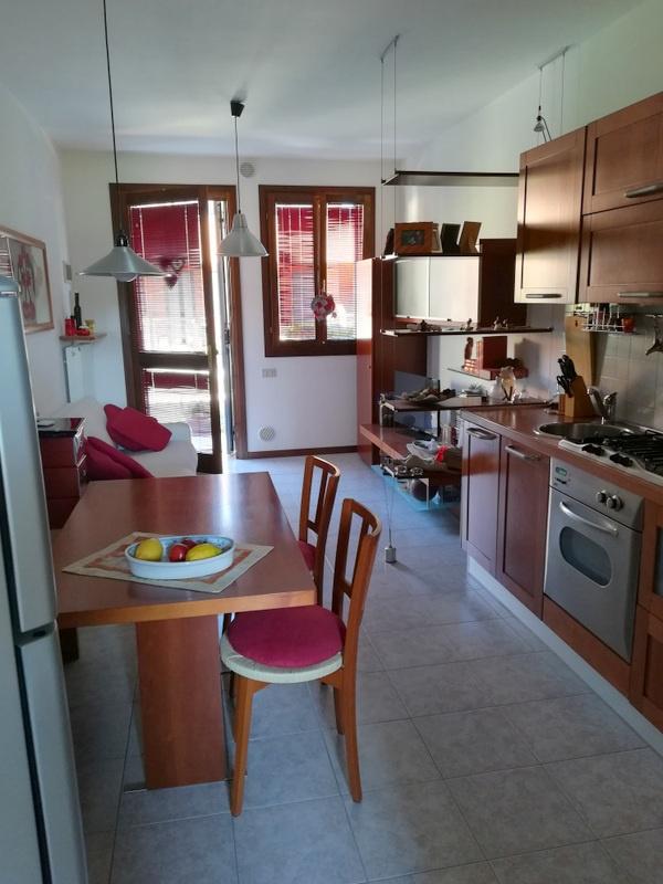 Appartamento in buone condizioni in vendita Rif. 7010191