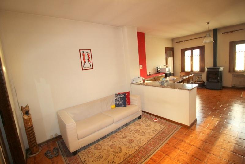 Appartamento in buone condizioni arredato in vendita Rif. 7627109