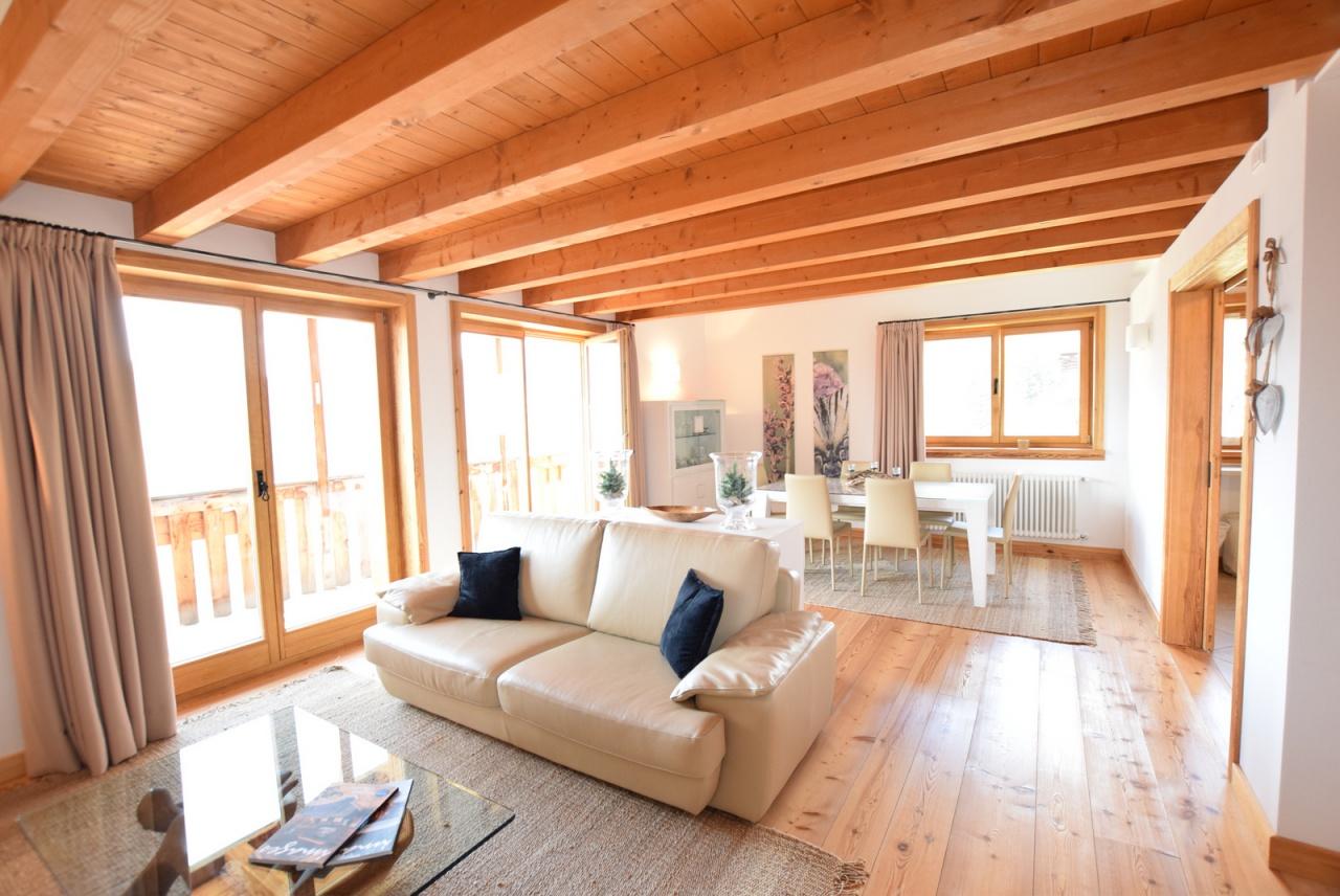 Appartamento in ottime condizioni arredato in vendita Rif. 8195637