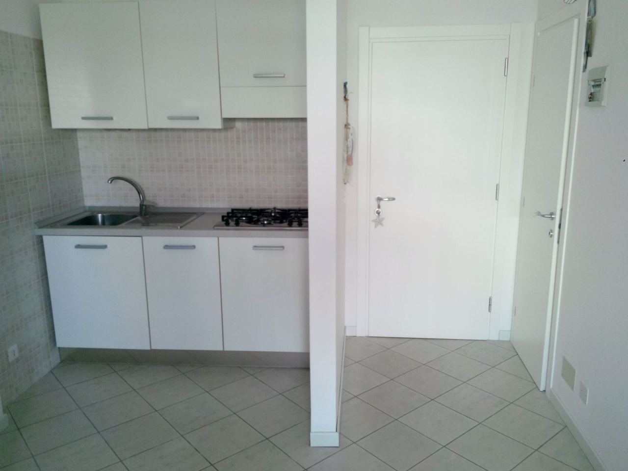 Appartamento in buone condizioni arredato in vendita Rif. 8210334