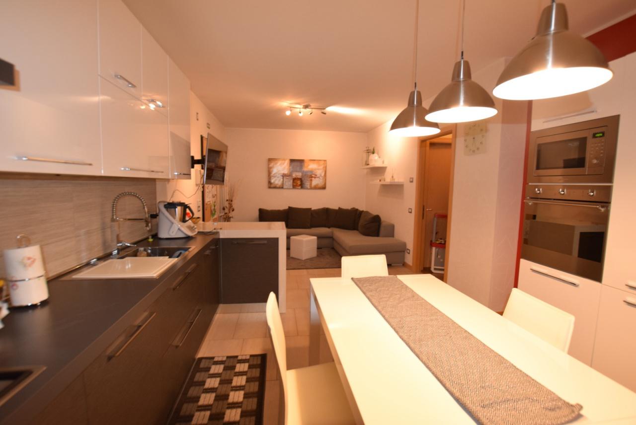 Appartamento in ottime condizioni in vendita Rif. 8456924