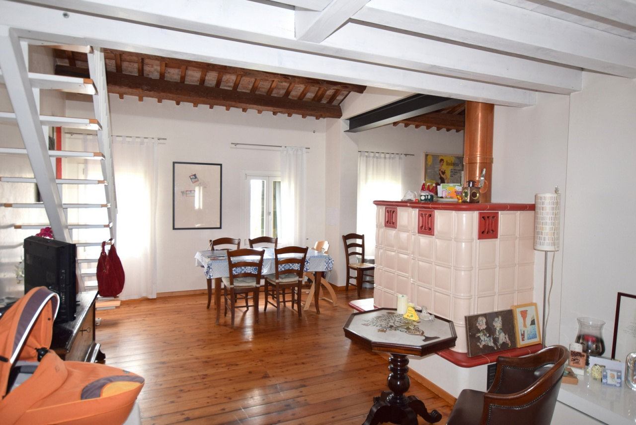 Appartamento in buone condizioni in vendita Rif. 8378052