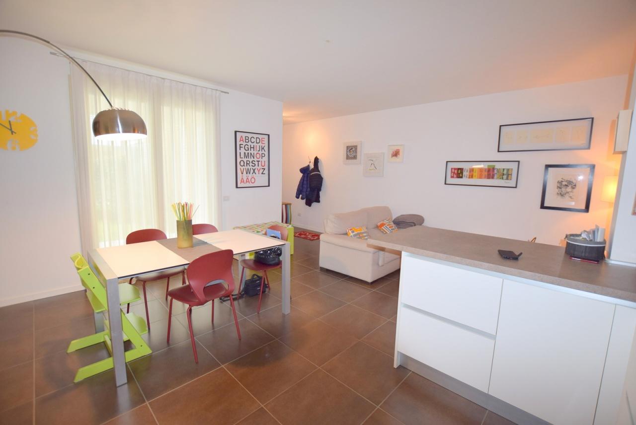 Appartamento in ottime condizioni in vendita Rif. 8456926