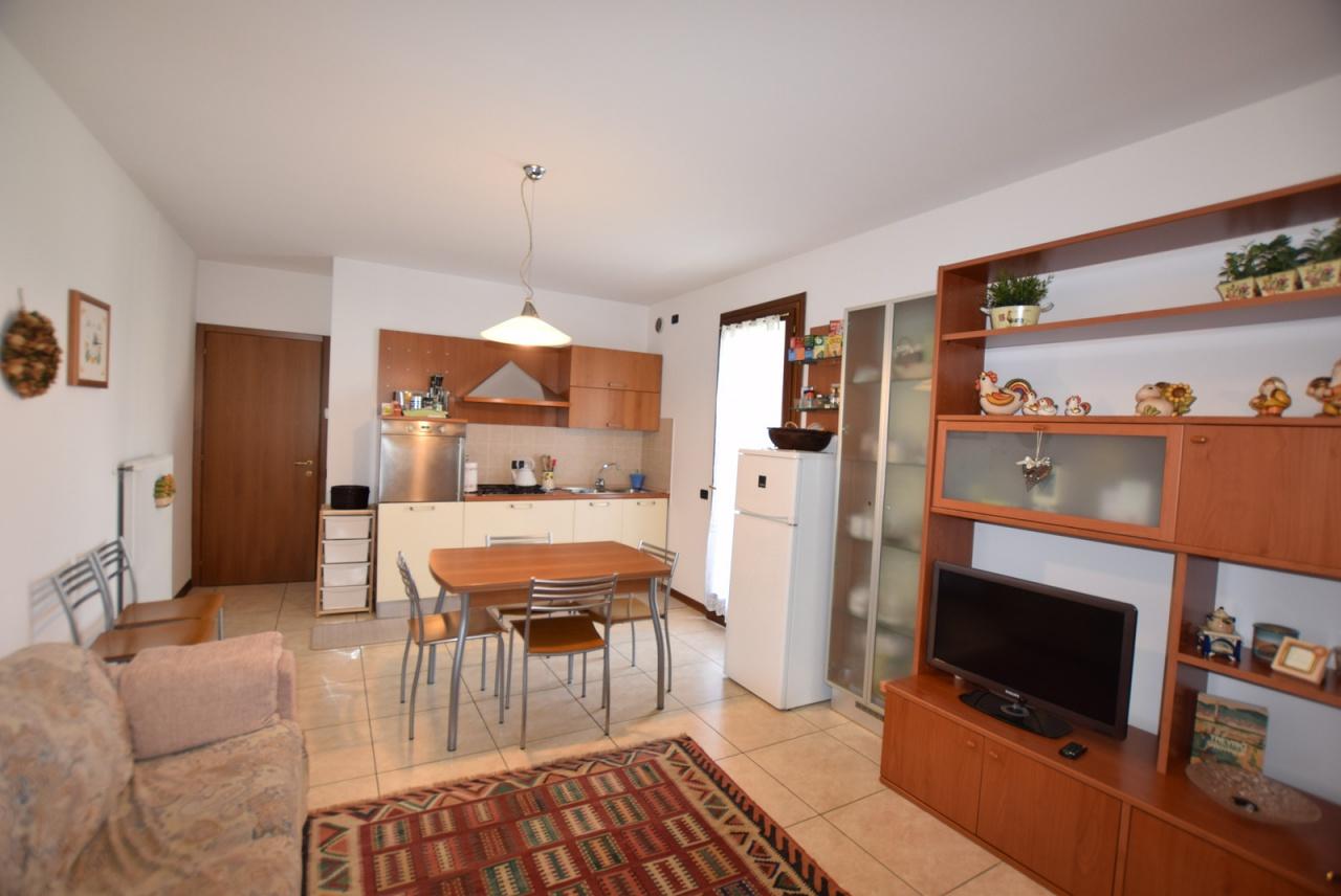 Appartamento in ottime condizioni arredato in vendita Rif. 8474671