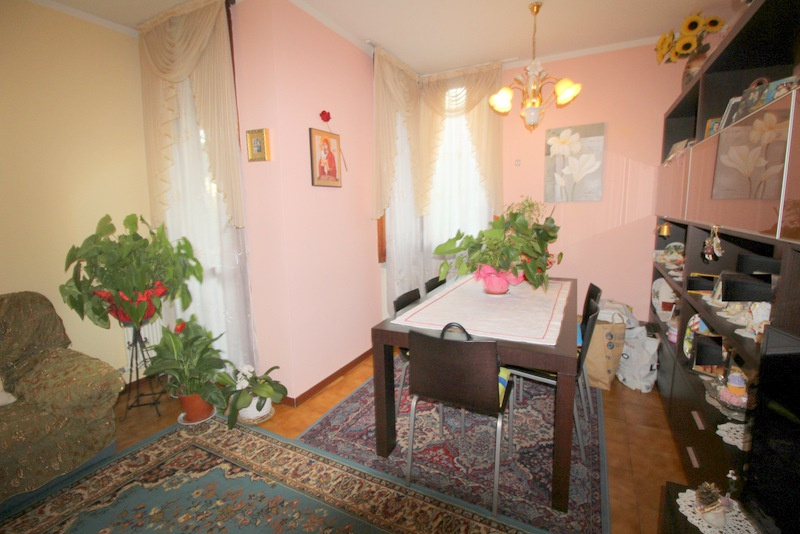 Appartamento in buone condizioni in vendita Rif. 8486913
