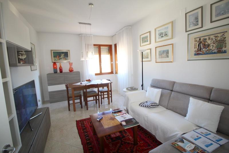 Appartamento in buone condizioni in vendita Rif. 8486910