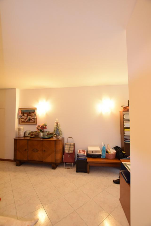 Appartamento in ottime condizioni in vendita Rif. 8486912