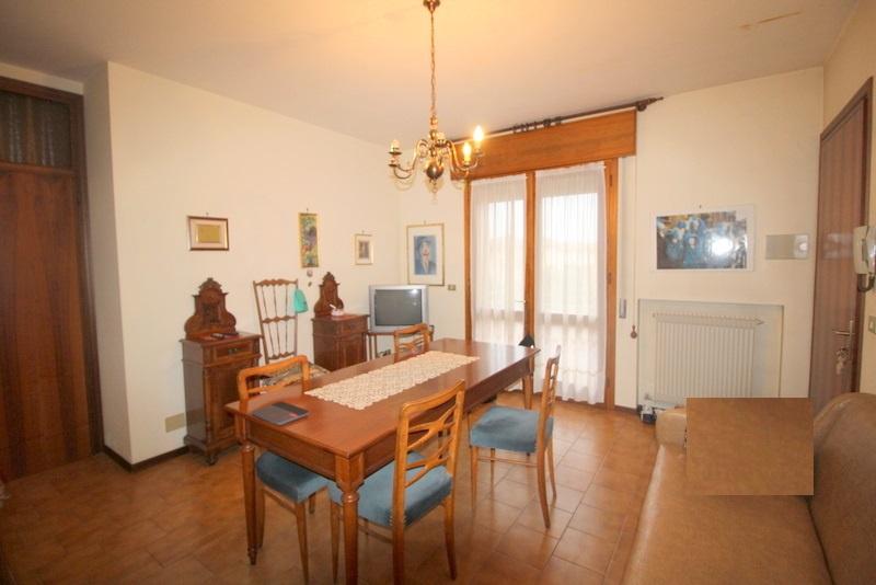 Appartamento in buone condizioni in vendita Rif. 8529940