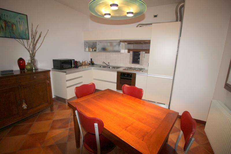 Appartamento in ottime condizioni in vendita Rif. 8586815