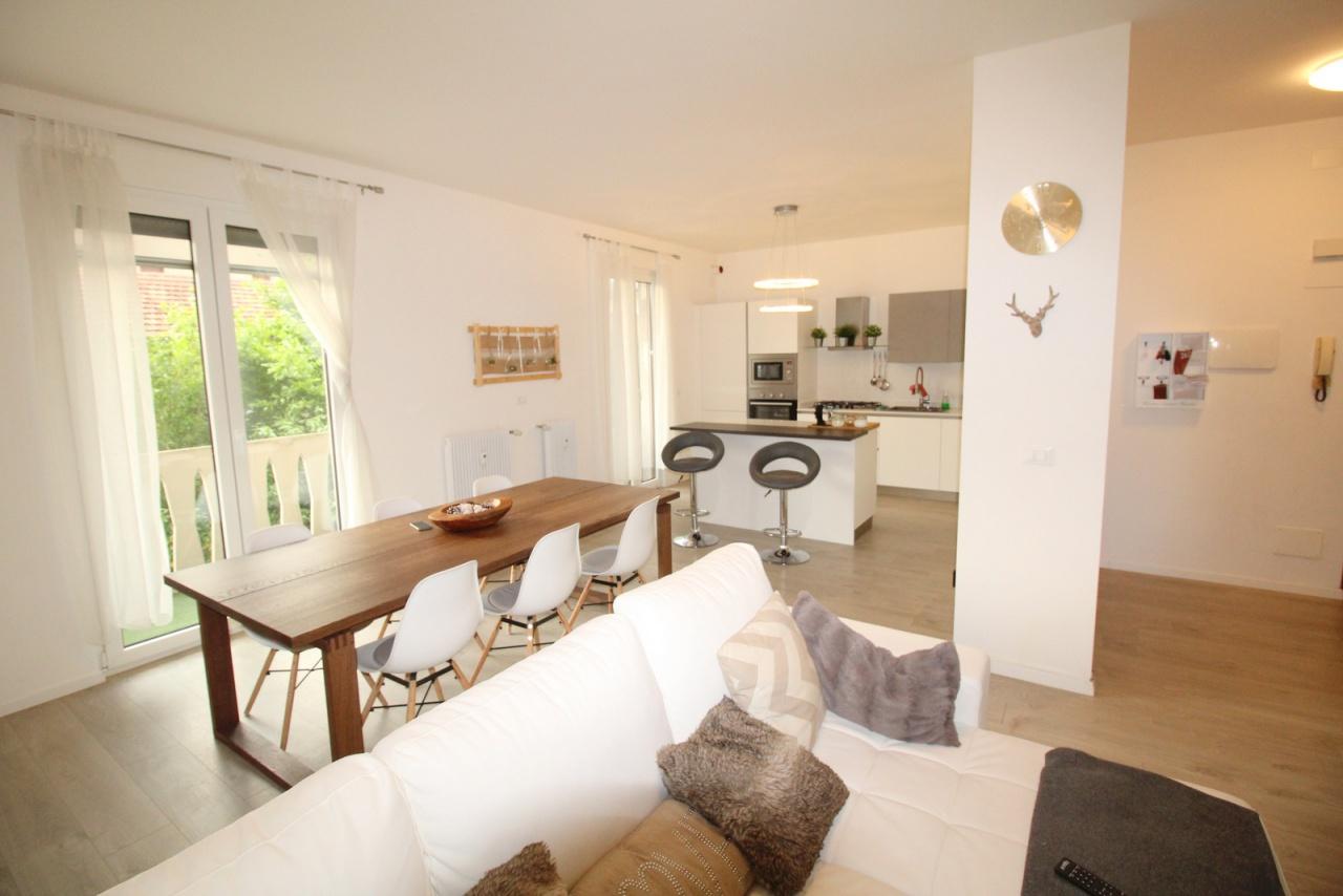 Appartamento ristrutturato arredato in vendita Rif. 8891733