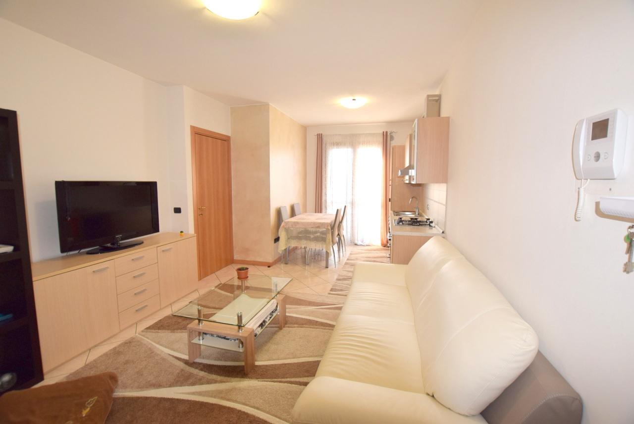 Appartamento in ottime condizioni in vendita Rif. 9313612