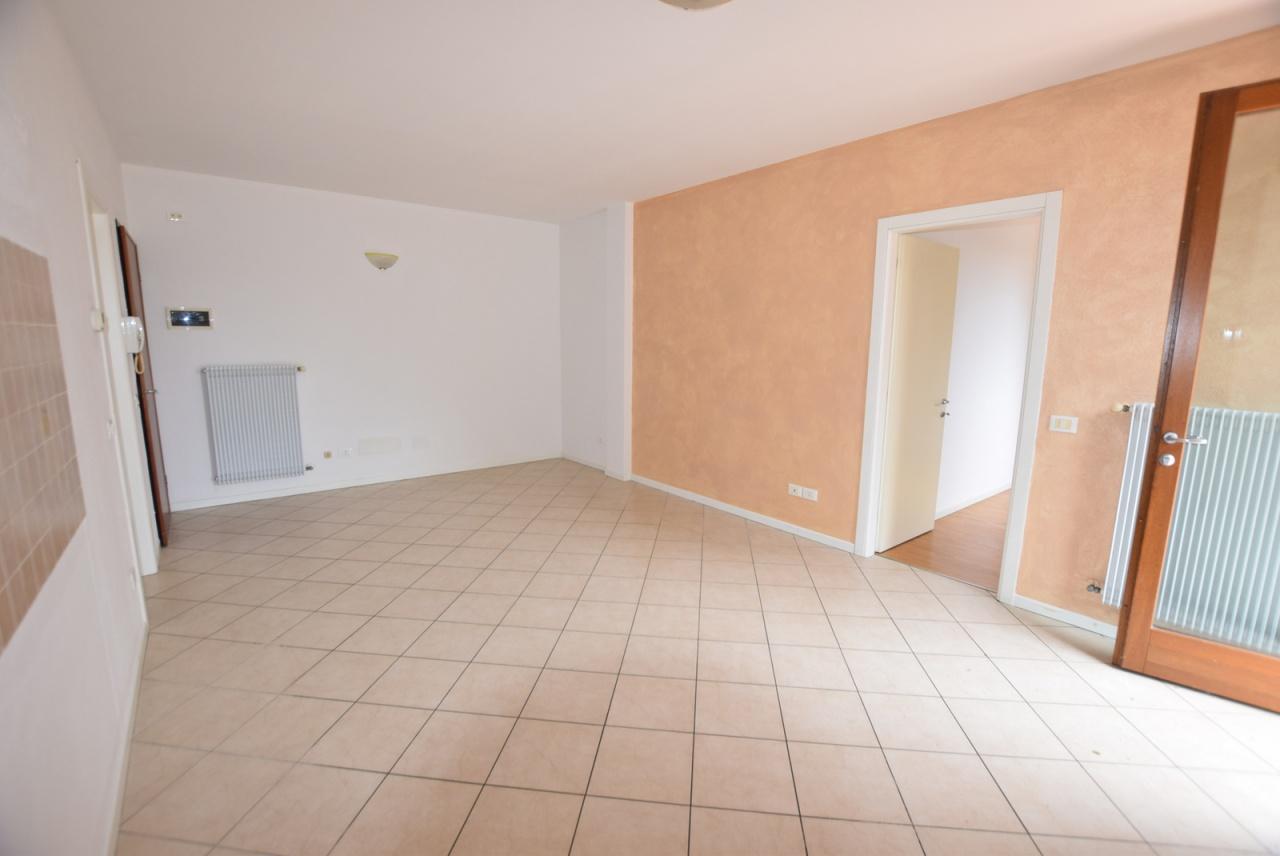 Appartamento in buone condizioni in vendita Rif. 9313609