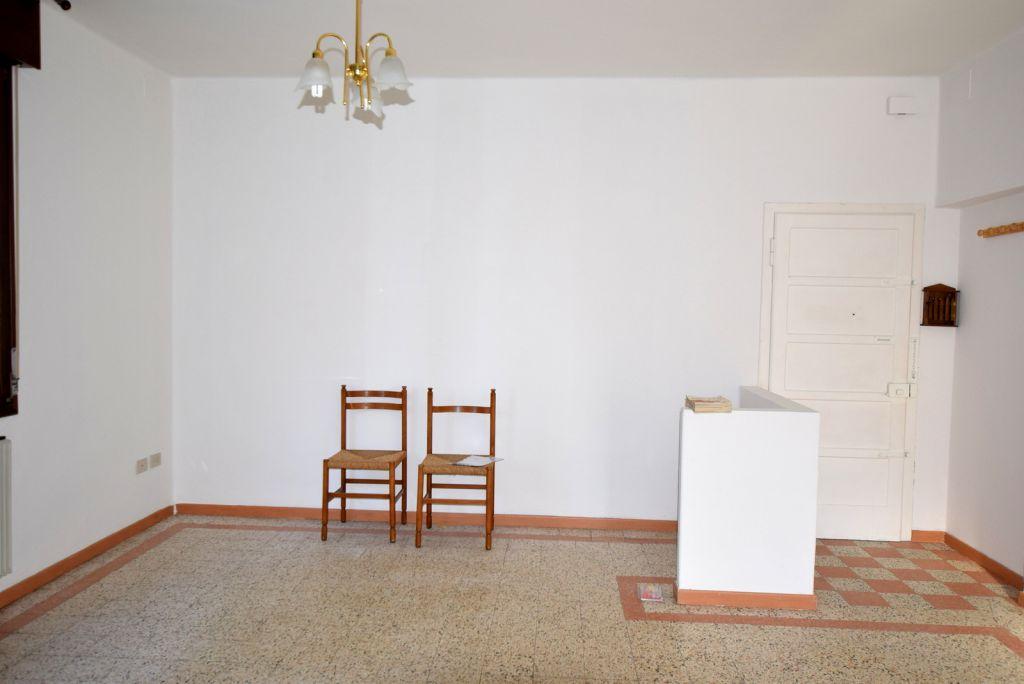 Appartamento da ristrutturare in vendita Rif. 9313611