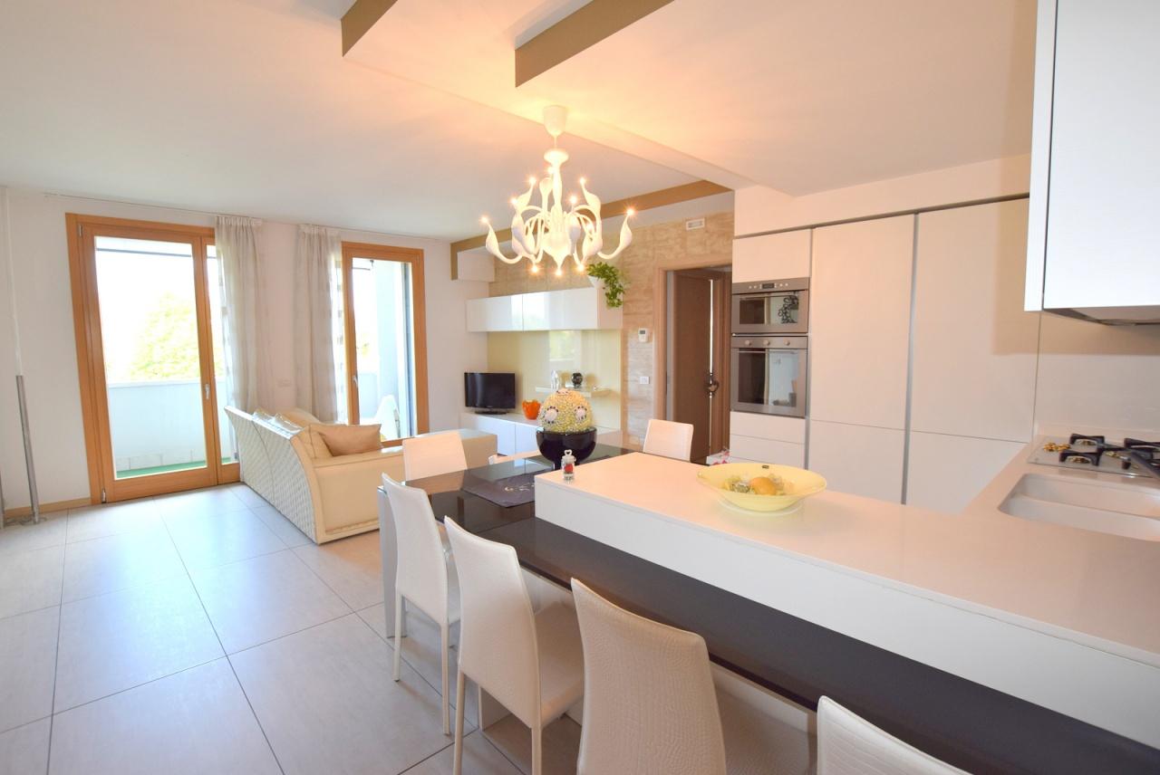 Appartamento in ottime condizioni arredato in vendita Rif. 9514727