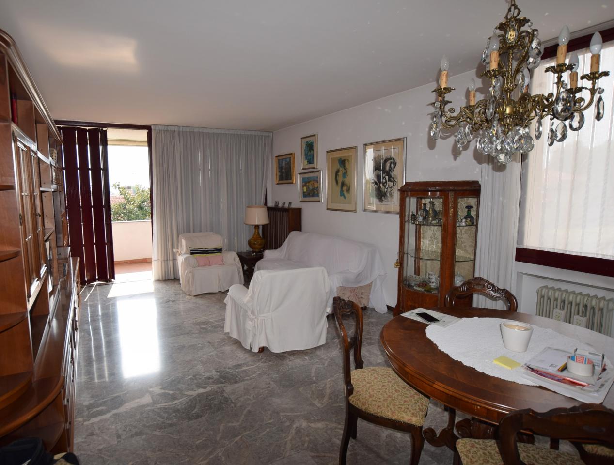 Appartamento in buone condizioni arredato in vendita Rif. 9654392