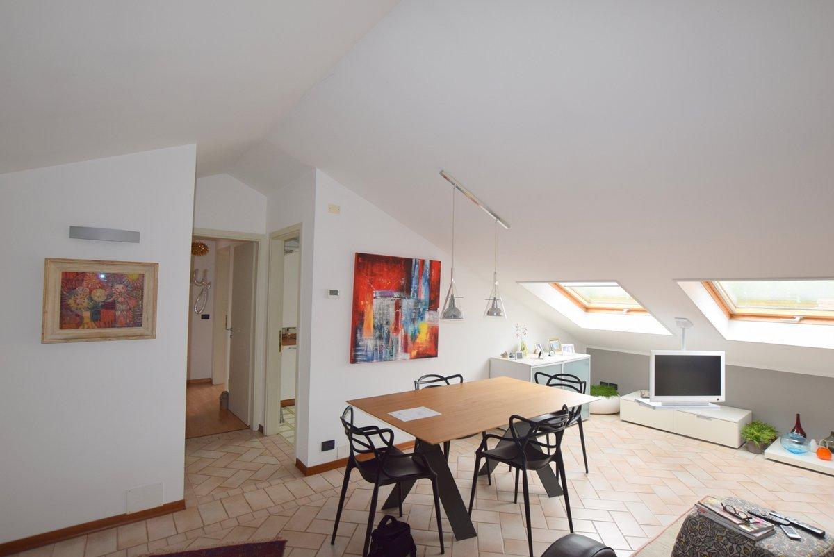Appartamento in buone condizioni in vendita Rif. 9780230