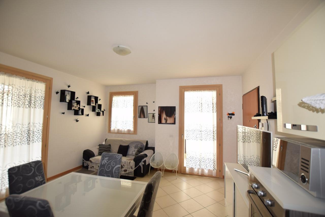 Appartamento in ottime condizioni in vendita Rif. 9780214