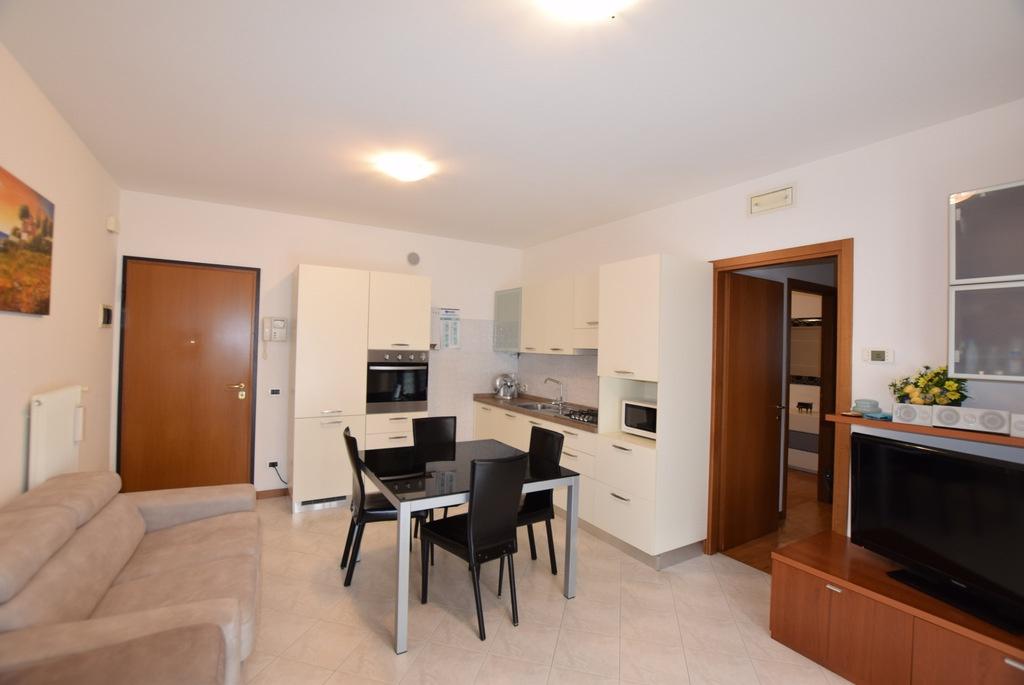 Appartamento in ottime condizioni in vendita Rif. 9901552