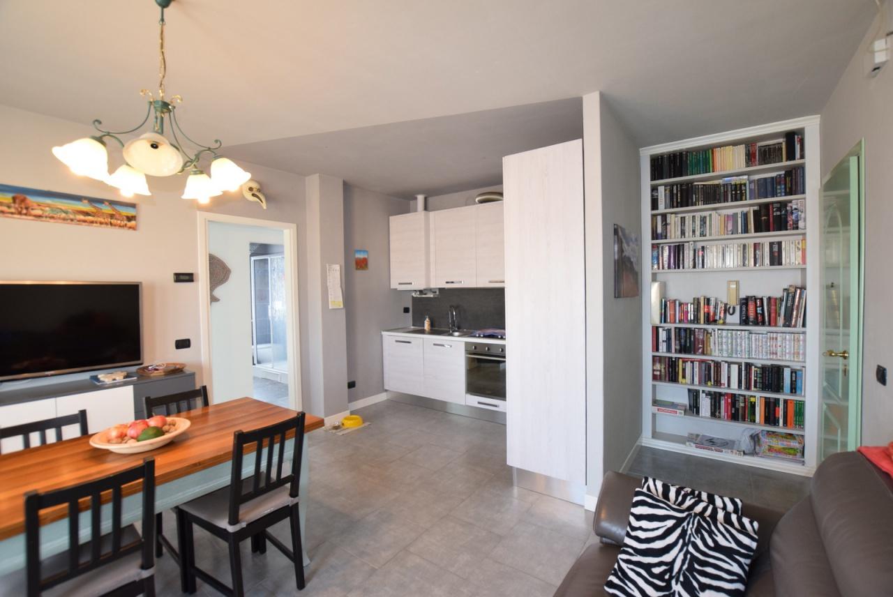 Appartamento in ottime condizioni in vendita Rif. 9909252