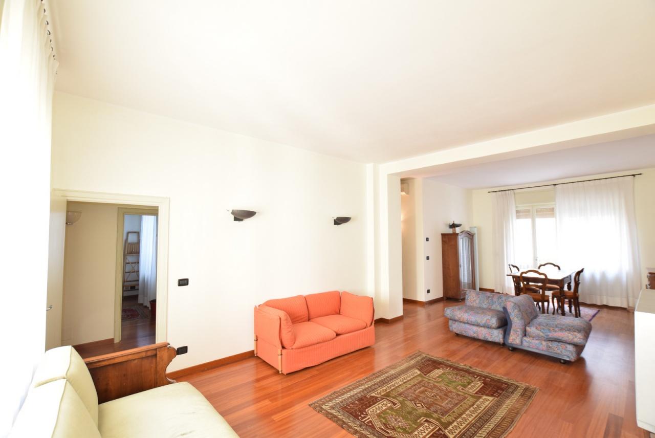 Appartamento in buone condizioni in vendita Rif. 10028606