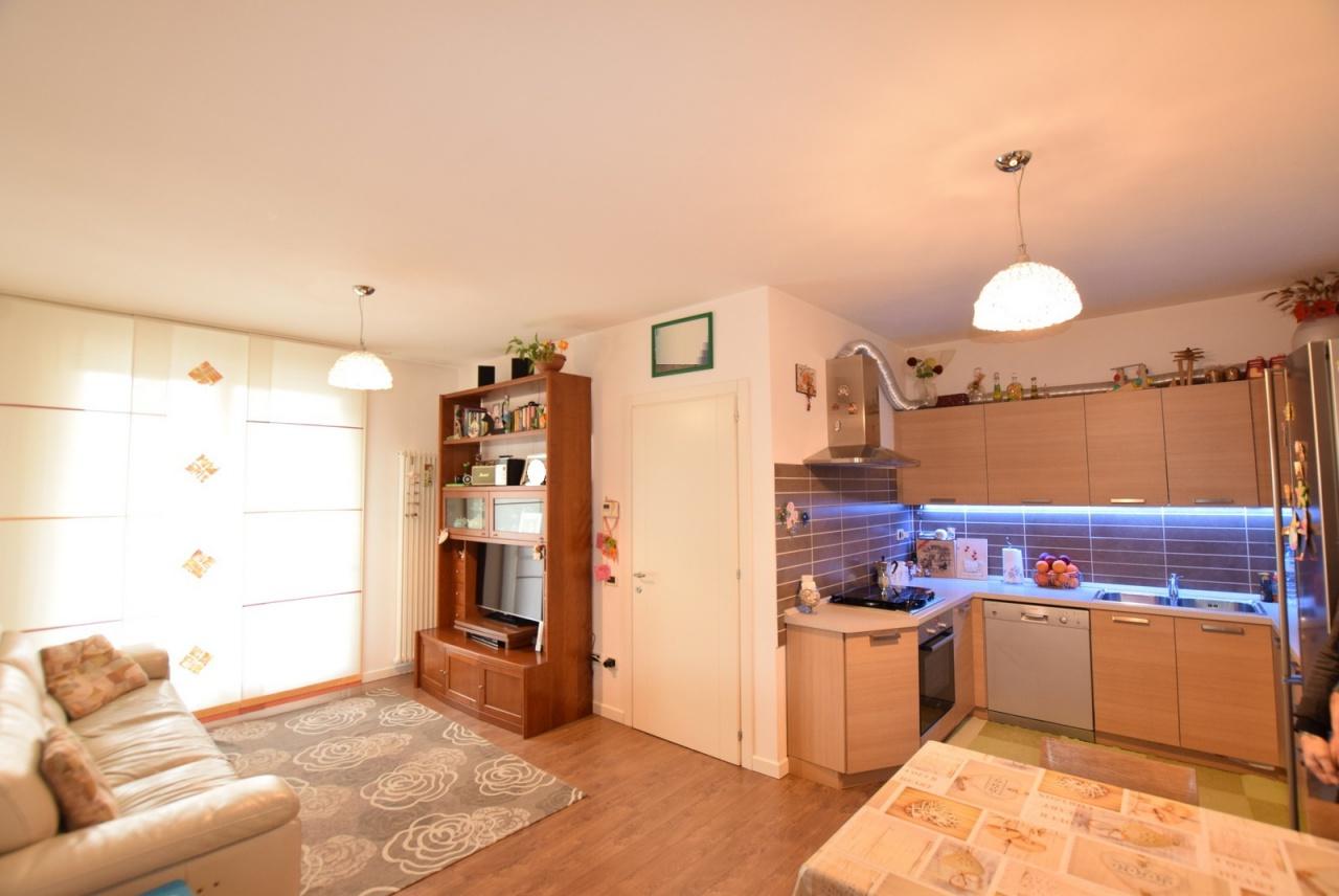 Appartamento in ottime condizioni in vendita Rif. 10028615