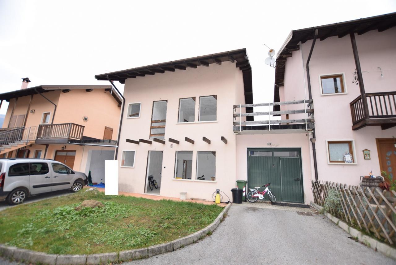 Villa bifamiliare SOVRAMONTE H142E