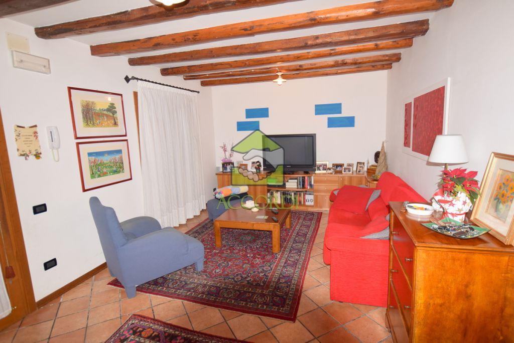 Casa Indipendente CAERANO DI SAN MARCO H13T