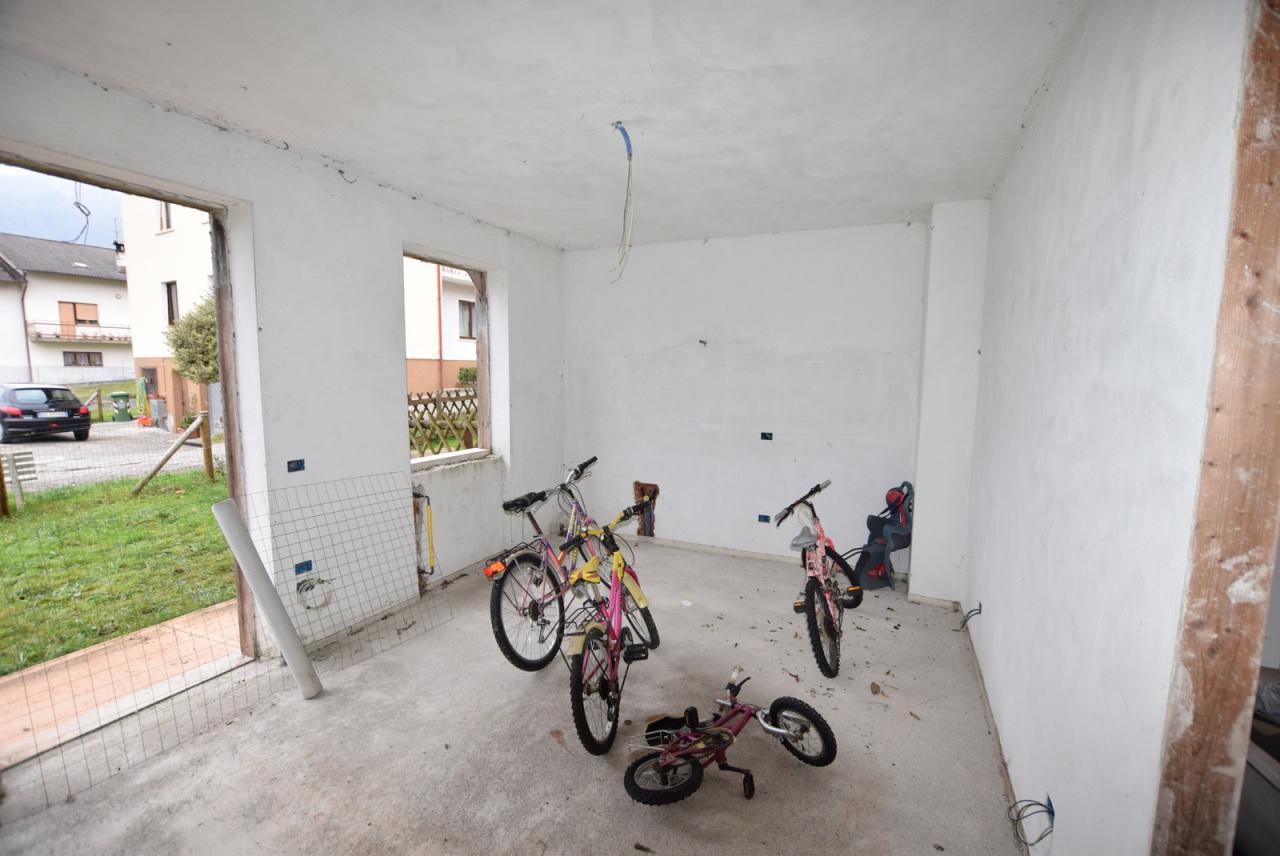 Villa bifamiliare SOVRAMONTE H142F