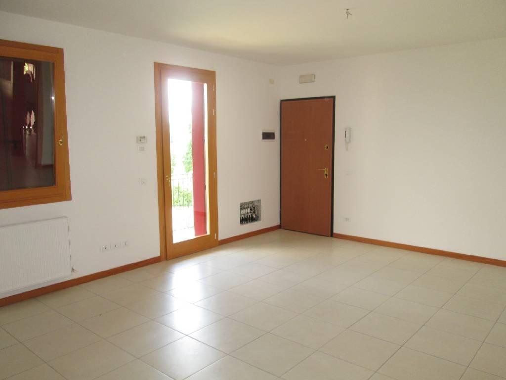 Appartamento trilocale in vendita a Cavaso del Tomba (TV)