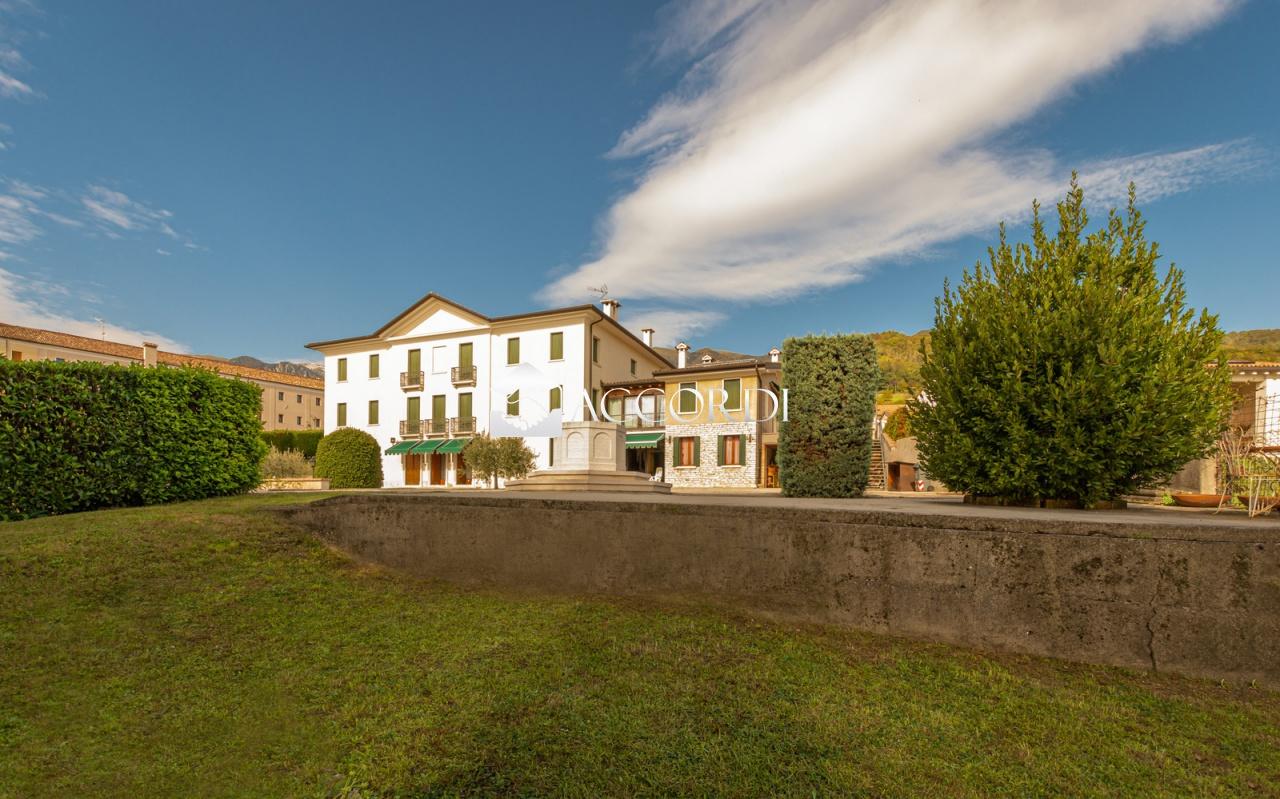 Villa in vendita a Possagno, 21 locali, prezzo € 550.000 | CambioCasa.it