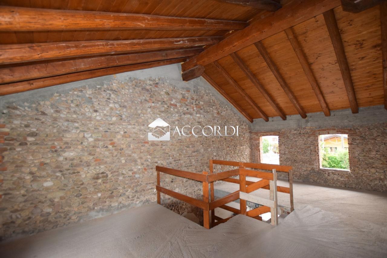 Rustico / Casale in Vendita a Trevignano