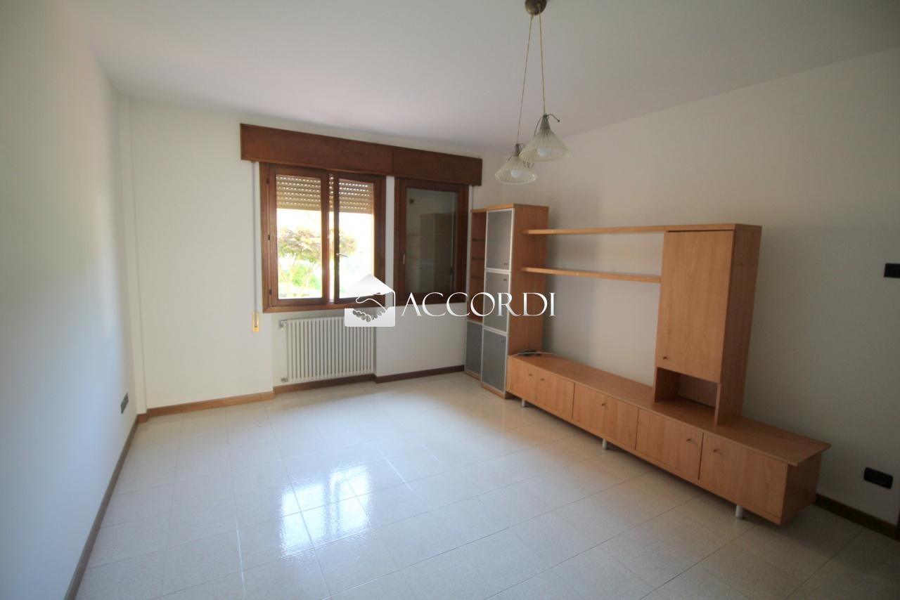 Appartamento in vendita a Follina, 5 locali, prezzo € 115.000 | PortaleAgenzieImmobiliari.it