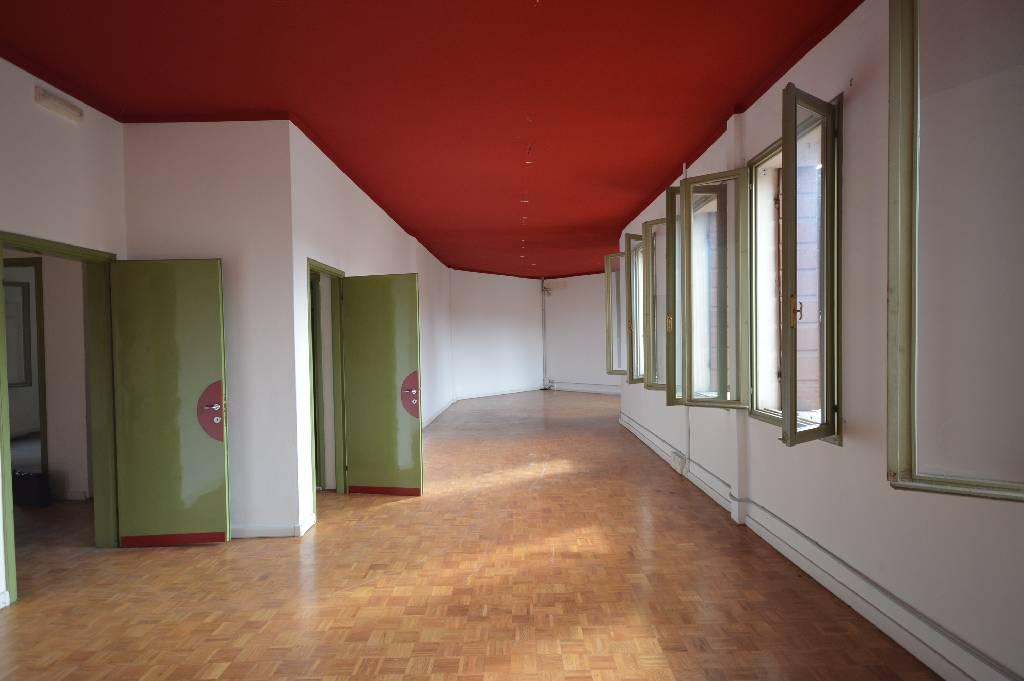 Ufficio / Studio in Affitto a Montebelluna