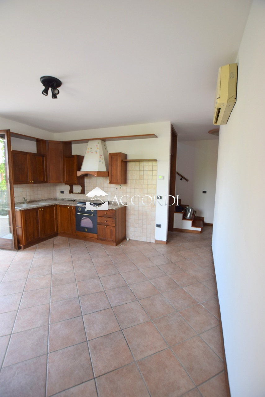 Appartamento in vendita a Trevignano, 3 locali, prezzo € 120.000 | PortaleAgenzieImmobiliari.it