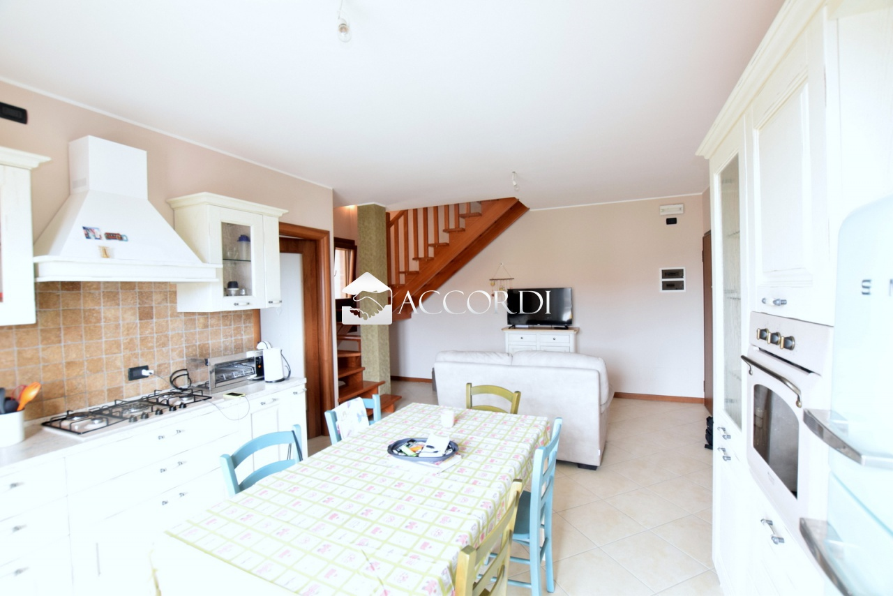 Appartamento in vendita a Trevignano, 3 locali, prezzo € 128.000 | PortaleAgenzieImmobiliari.it