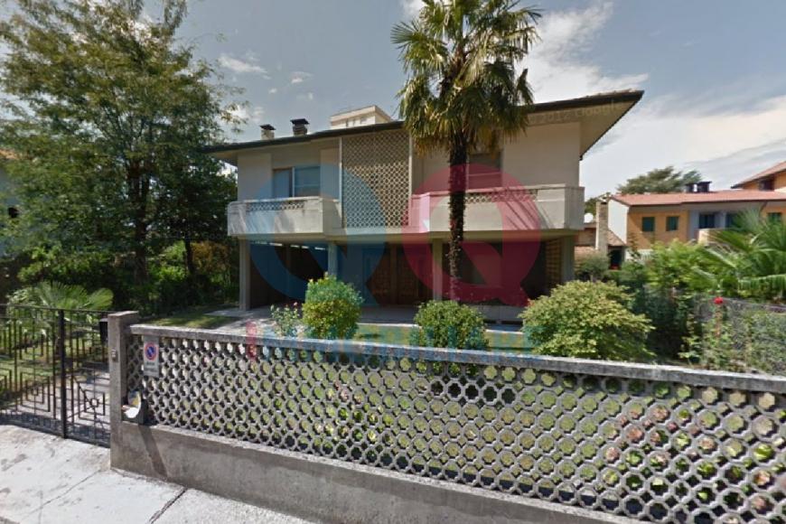 Soluzione Indipendente in vendita a Latisana, 7 locali, Trattative riservate | Cambio Casa.it