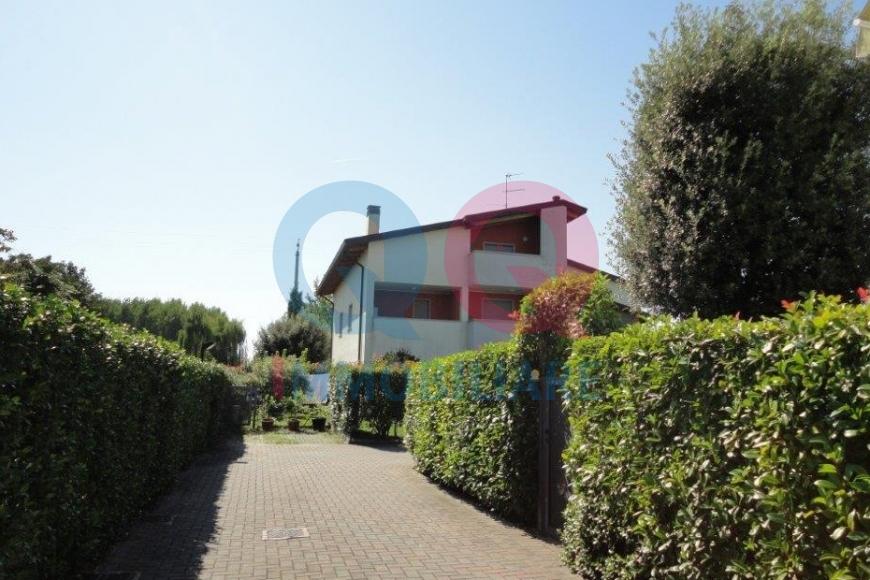 Appartamento in vendita a Ronchis, 3 locali, prezzo € 115.000   Cambio Casa.it