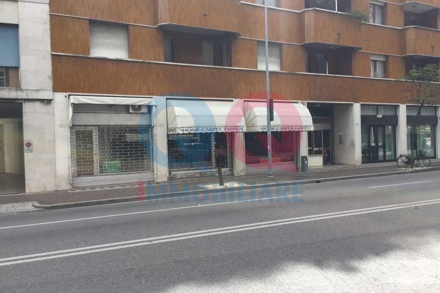 Negozio / Locale in vendita a Udine, 2 locali, zona Località: GENERICA, prezzo € 79.000 | Cambio Casa.it