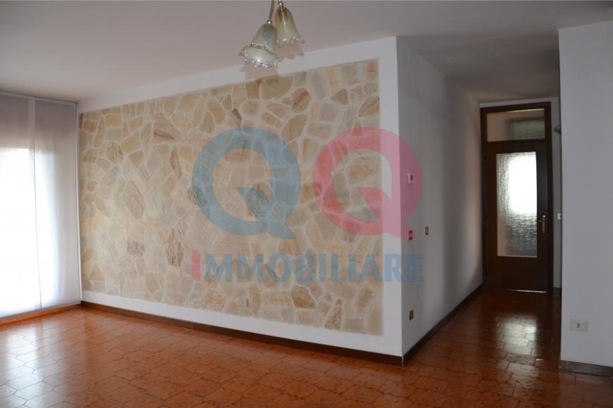 Appartamento in affitto a Latisana, 5 locali, Trattative riservate | Cambio Casa.it
