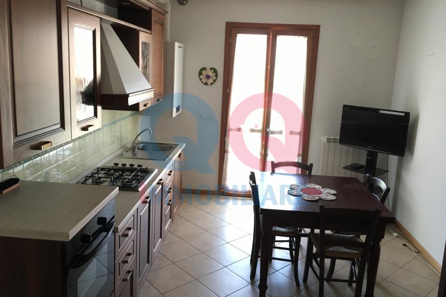 Appartamento in buone condizioni arredato in vendita Rif. 6428316